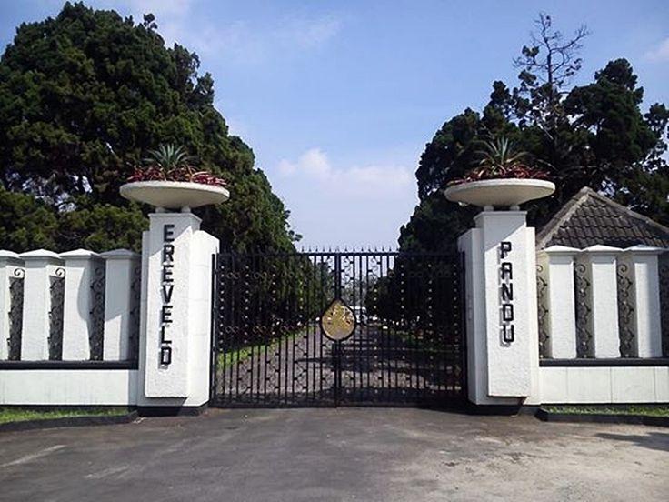 Makan Kolonial Ereveld Jalan Pandu. Bandung.2014