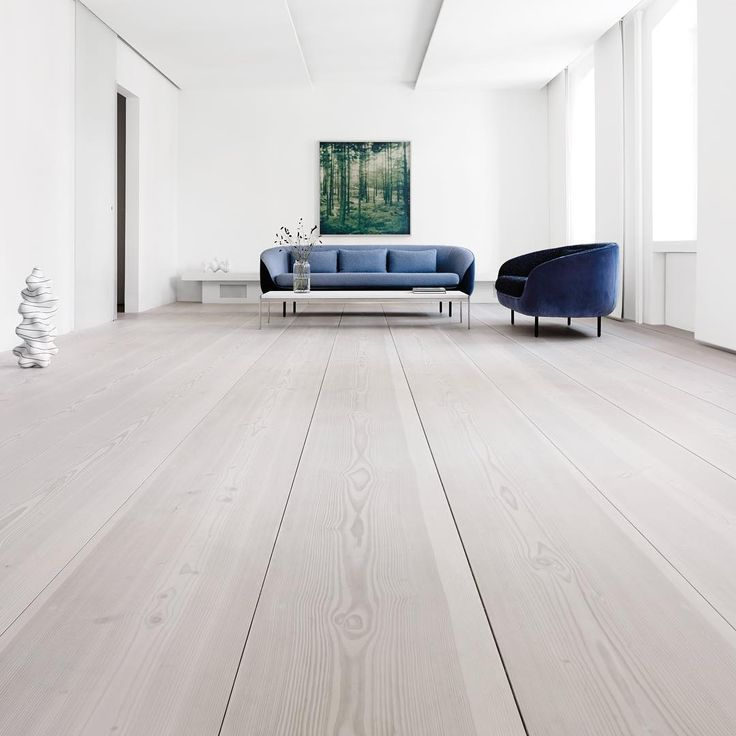 Wide plank flooring at Dinesen Home - Douglas by Dinesen