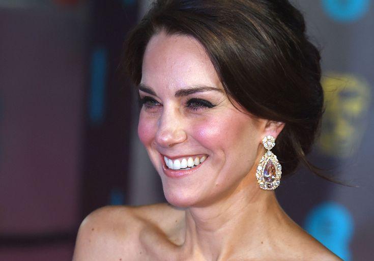 Royal Family News! Il look di Kate Middleton ai BAFTA decreterà una posizione politica importante - ELLE.it