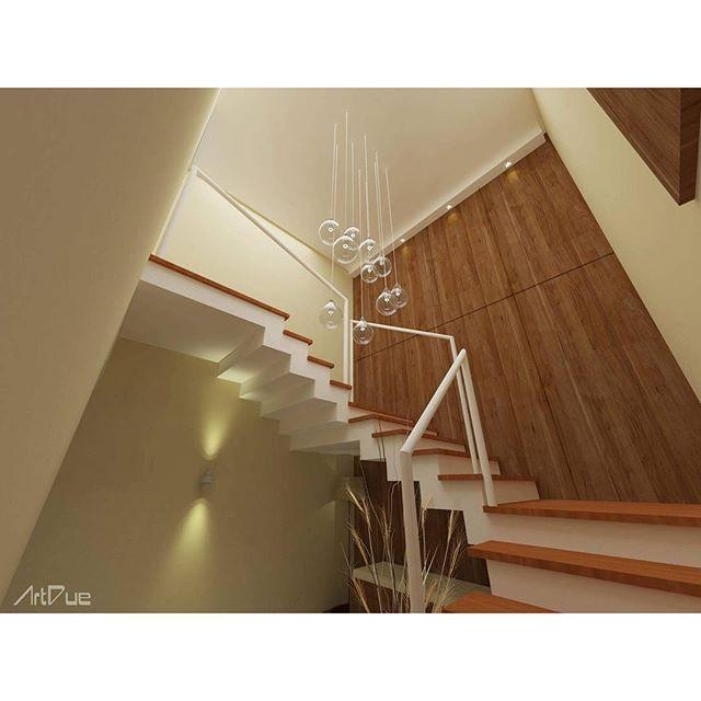 #mulpix Com a reforma na casa SS, houve a necessidade de se criar uma escada que dá acesso ao pavimento superior. Apesar de ser um elemento funcional, de conexão entre os dois pavimentos, quisemos dar um tratamento especial para esse espaço. Assim, trabalhamos cores que dialogam com os ambientes que virão após o trajeto da escada, com revestimento em madeira e cores análogas àquelas atribuídas aos espaços. Para finalizar e dar um toque aconchegante e convidativo, anexamos um sofá e abajur…