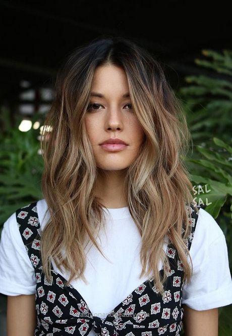 Trendige Frisuren für langes Haar 2018   – Frisuren