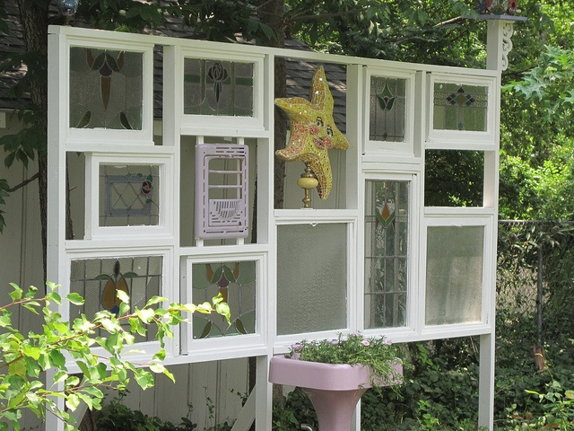 59 best garden screen images on pinterest decks garden for Garden divider ideas