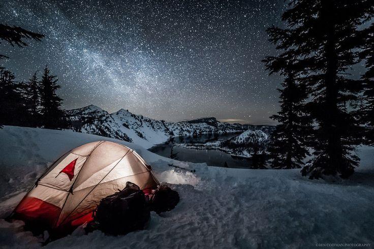 """Ben Coffman é um fotógrafo paisagístico baseado em Portland, no Oregon americano, que se especializou em fotografia noturna, em particular """"paisagens astrofotográficas"""" que caracterizam a Via Láctea. Isso não só permite a Ben a oportunidade de exp..."""