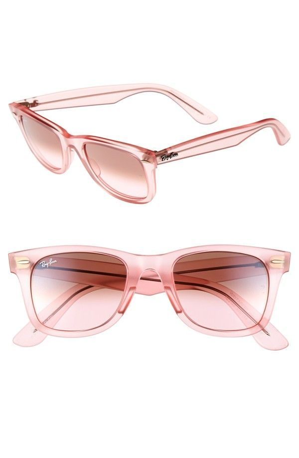 f5f8364774f71 How cute are these pink wayfarer sunnies
