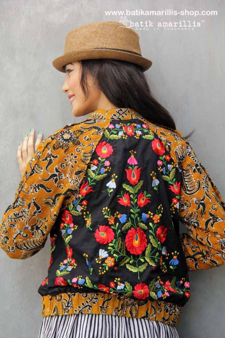 Batik Amarillis made in Indonesia  www.batikamarillis-shop.com NEW Batik Amarillis Traveller skirt in batik Gedog Tuban & Batik Amarillis's Girl meets boy jacket which features  🍊 batik Gedog Tuban and Hungarian's Mate Embroidery style or inspired