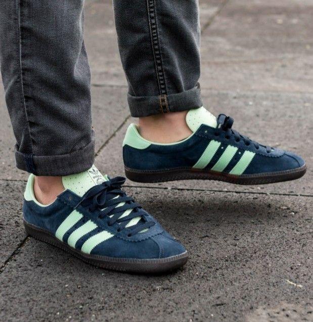 orar Derecho lobo  Padiham Spezial on the street   Adidas sneakers, Adidas gazelle sneaker,  Football casuals