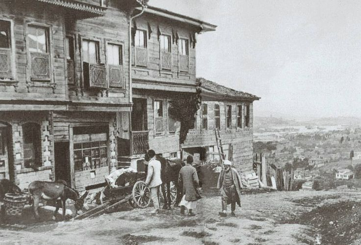 Old İstanbul Photographs: Rami Şeyh Abdullah Street. Traditional Ottoman houses in Istanbul (late 19th? early 20th? c.)