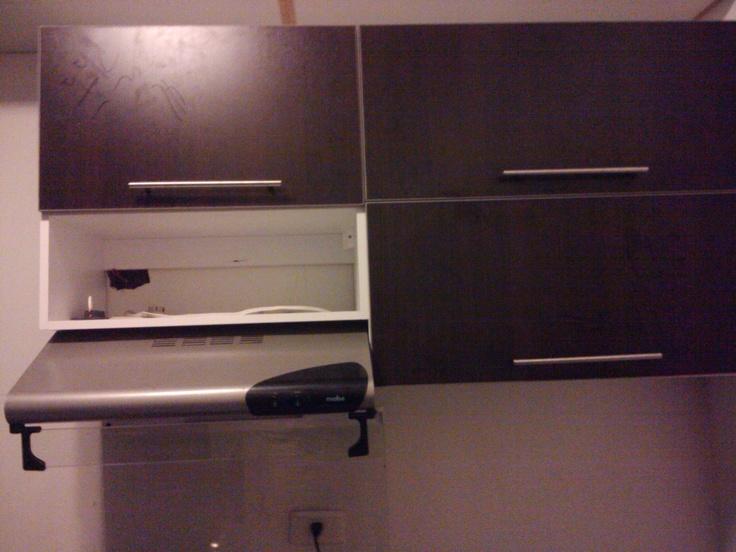 Gabinetes a reos de cocina color roble moro y blanco for Gabinetes de cocina blancos