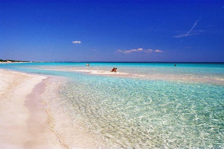 Punta Prosciutto (Li Prisuti in dialetto locale) è una località marittima facente parte del comune di Porto Cesareo. #PuntaProsciutto