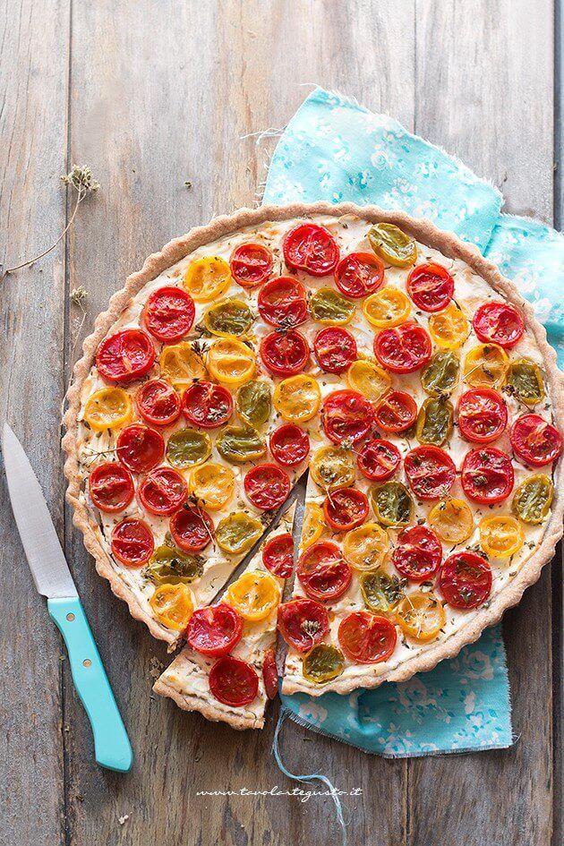 Crostata di pomodori con formaggio cremoso - Ricetta Crostata di pomodori - Tomatoes pie