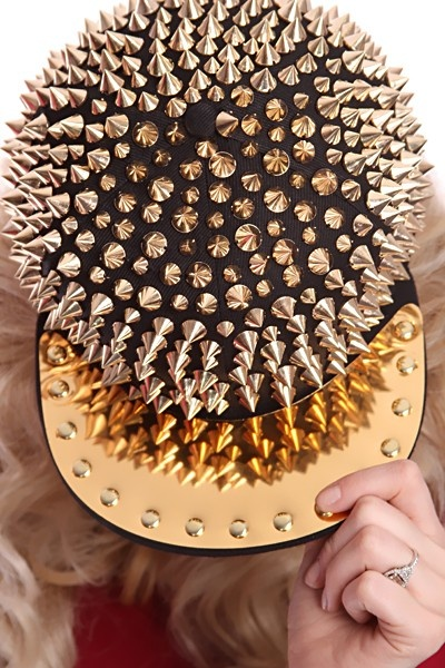 Amiclubwear gold spiked hat