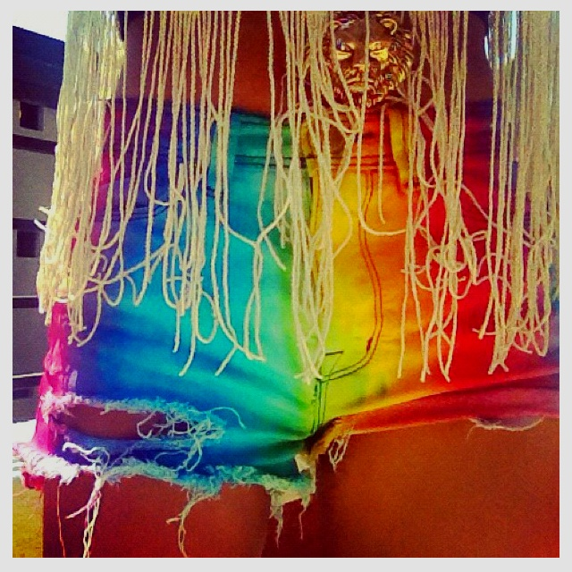 r. a. I. n. b. o. w.: Boho Chic, Ties Dyes Shorts, Shorts Style, Sequences, Rainbows Shorts, Denim Shorts, Jeans Shorts, Cut Off, Boho Fashion