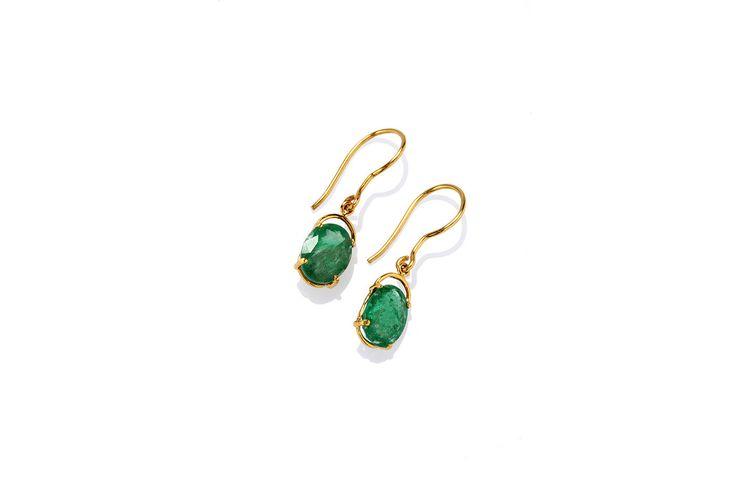 Composizione:orecchini in oro 750, con doppia coppia di smeraldi dello Zambia per un totale di 1.75 carati,uniti da un amo classico