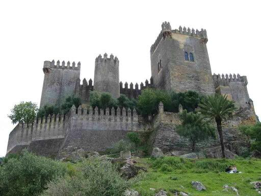 Castillo de Almodovar del Río, córdoba.  Cordoba de mis amores  Pinterest