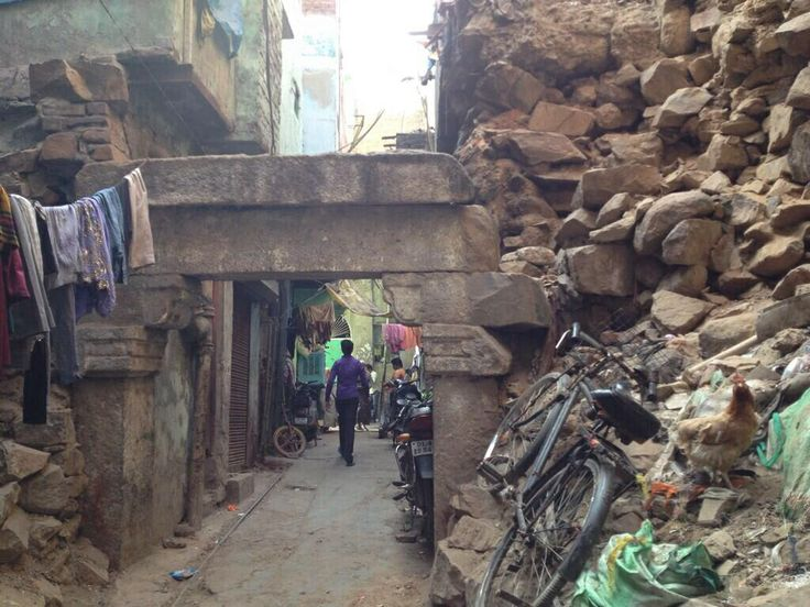 This was the entrance to the dargah. Still is actually. But it is so difficult to get here i doubt many try