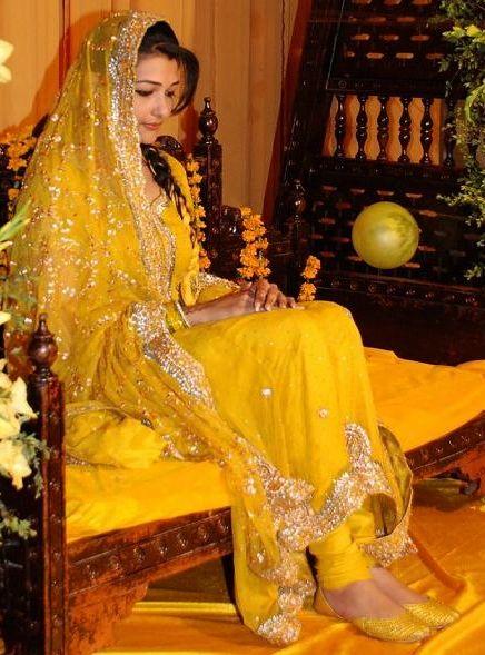Traditional yellow Pakistani Mehndi Dress. I love it!