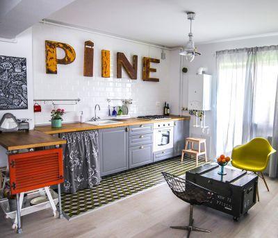 Scurta vizita intr-un apartament decorat cu multa originalitate