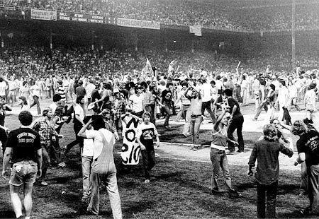 White Sox disco demolition night