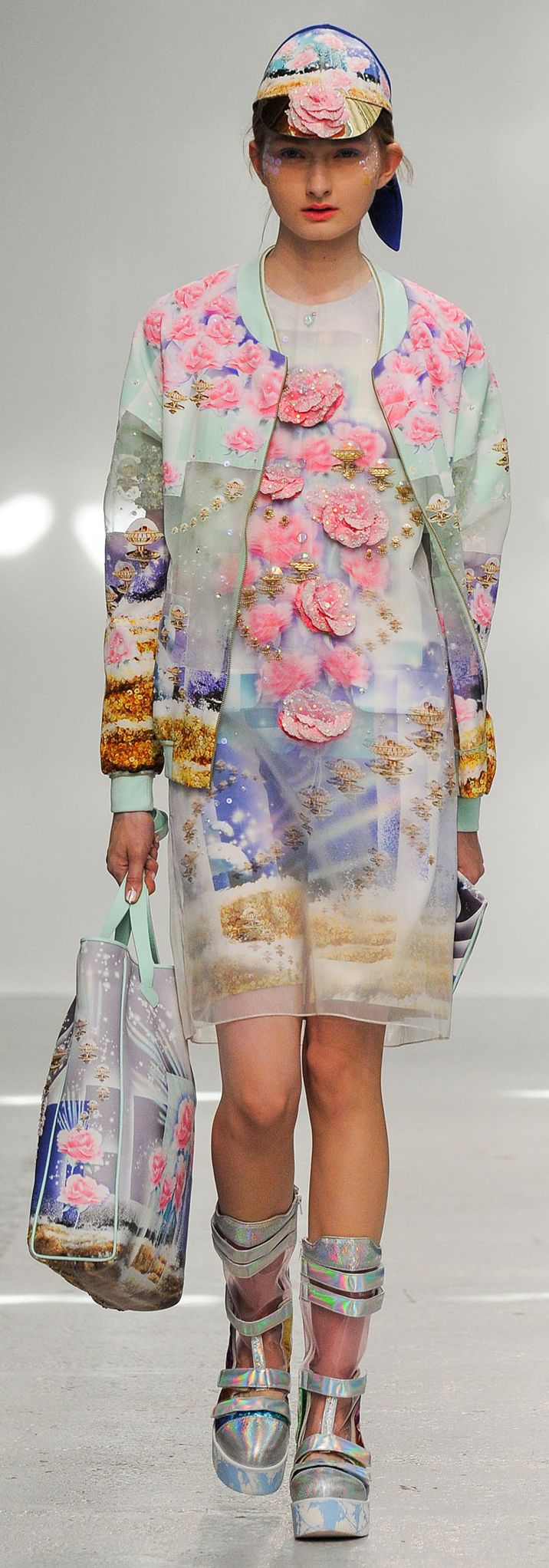 "Manish Arora SS 2015 RTW - the sum of the whole is much less than any one of its parts. The effect is of an upscale ""bag lady""."