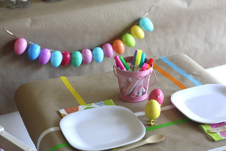Plastic Easter egg garland! #easter