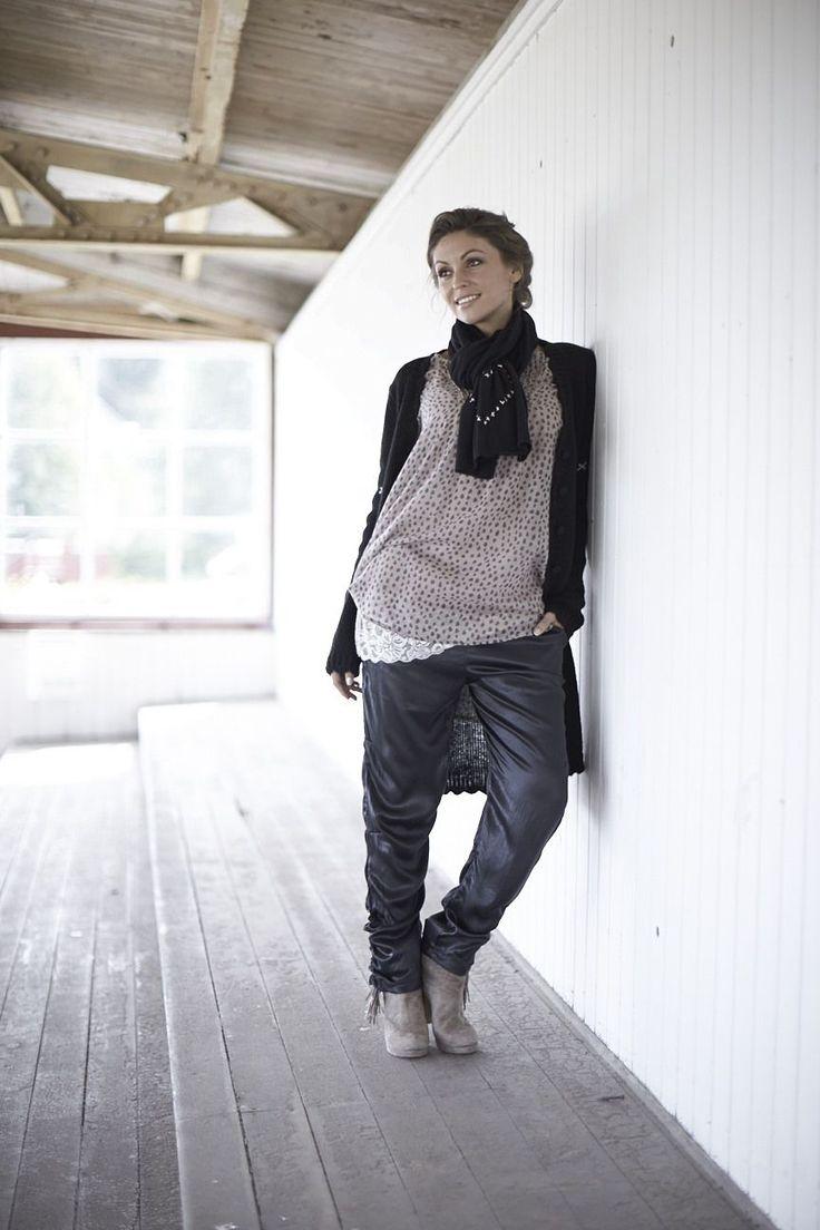 Hedvábné kalhoty Black | Bella Rose