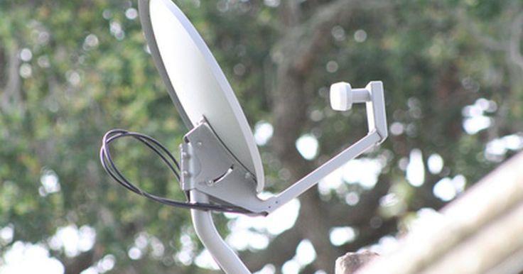 Cómo recibir televisión satelital con la antena parabólica de un equipo viejo. La televisión por satélite está disponible para cualquier persona con una antena parabólica existente en su debido lugar, un receptor de satélite capaz de aceptar la señal de la antena, y una suscripción a un servicio de satélite. Puedes recibir televisión por satélite de la antena parabólica de un equipo viejo que ya esté montado en un techo, ...