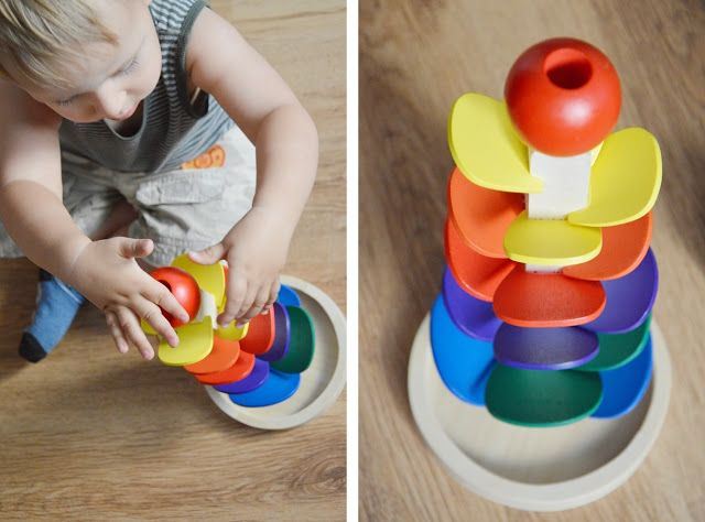 Kulodrom dźwiękowy - świetna zabawka dla dwulatka.