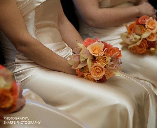 Peach Orange Creamy White And Soft Yellow Fl Bouquets With Champagne Bridesmaids Visual Impact Design Contemporary Wedding Flowers