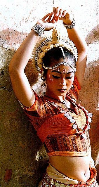 odissi dancer   indian classical dance