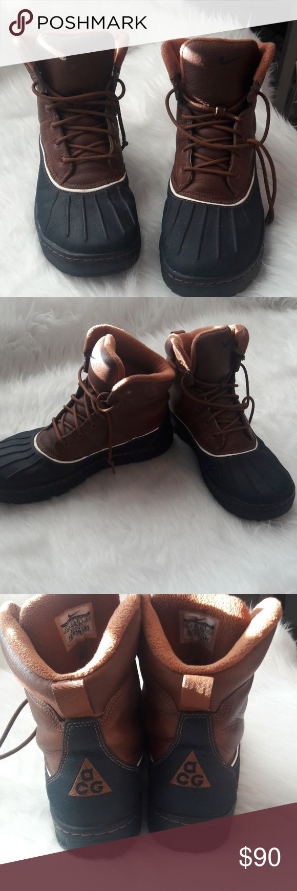 NIKE WOODSIDE mens size 11.5 Gently worn mens NIKE Woodside boots size 11.5 Good condition.  Bundle and Save! Nike ACG Shoes Boots