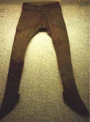 010905_019_Trousers_from_Thorsbjerg_finding.jpg 298×400 pixels *Trousers from Thorsberg find, migration era 2-5thC