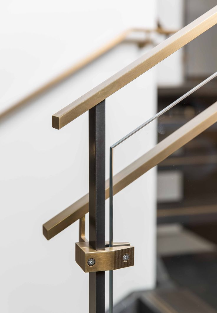 Outrigger Stair System Hand Rail Detail