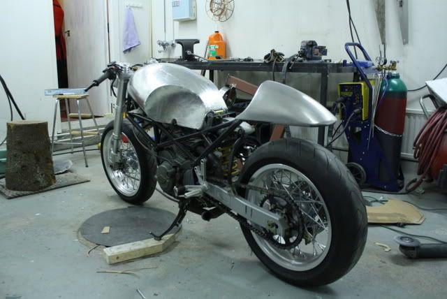 monster 600 cafe racer project ducati monster forums ducati monster motorcycle forum. Black Bedroom Furniture Sets. Home Design Ideas