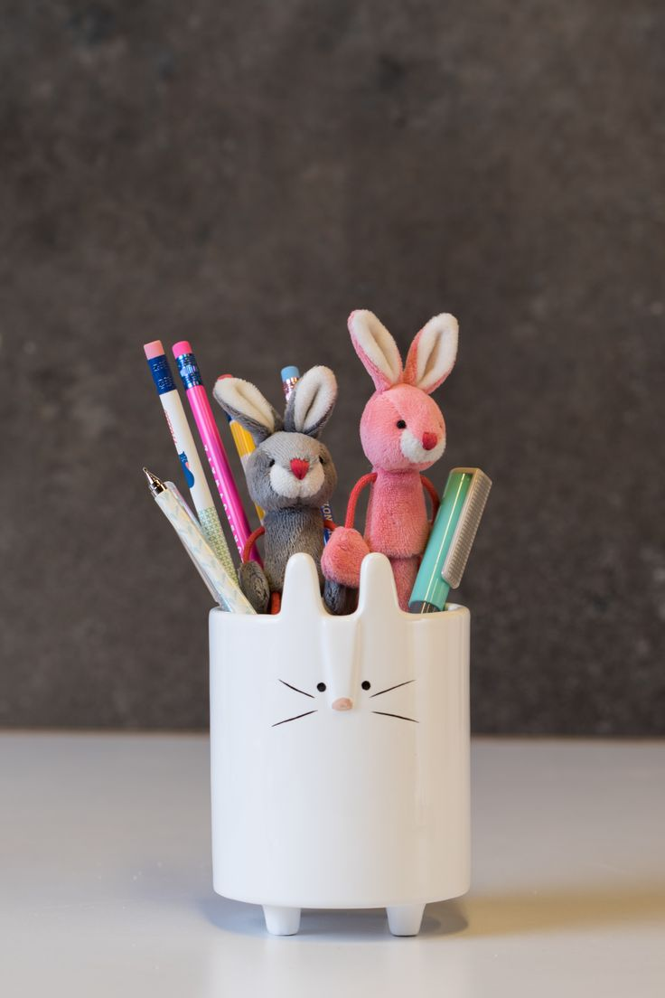 Maceta cerámica, lápices conejo peluche. Pascua 2016. DIY.
