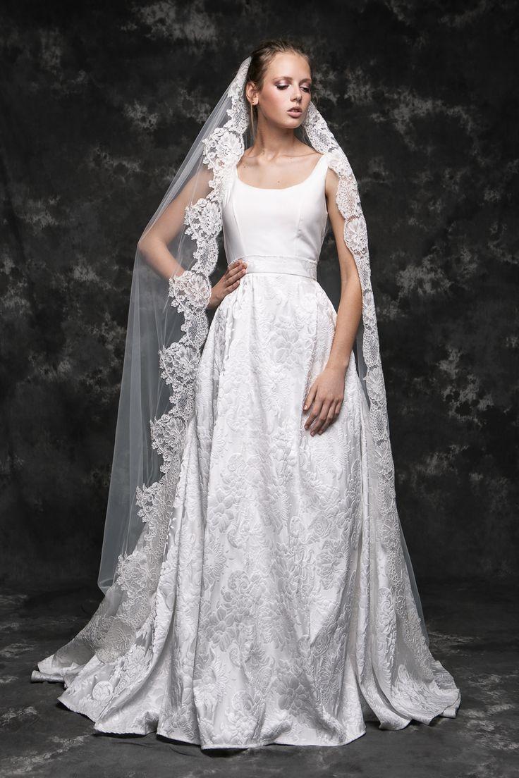 Pureza Mello Breyner Atelier - romantic and elegant bride dress with a lace veil #bride #modern #lace #cotton #silk #romantic #bridal #dress #designer #satin #handmade #by #measure #veil #spanish