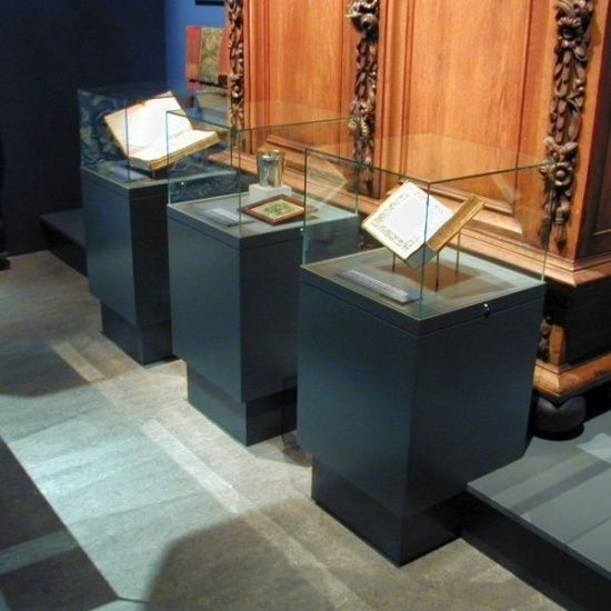 Quality Museum Display Cases & Cabinets | Access Displays                                                                                                                                                                                 More