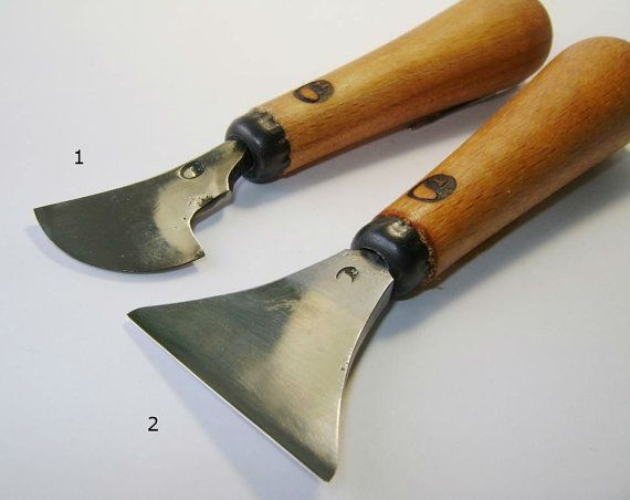 Knife for woodcarving. Knife to work with leather.
