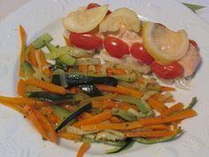Cette papillote de saumon poireaux-coriandre-citron et jardinière de légumes est excellente. Aromatisée à la coriandre et au citron cela lui confère