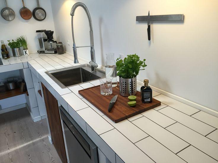DIY kitchen fron our lovely house - vires hjemmebygede køkken i Nybyggerhuset. Bygget af LUX-plader!   www.liseogmichael.dk  Instagram: lisevandborg