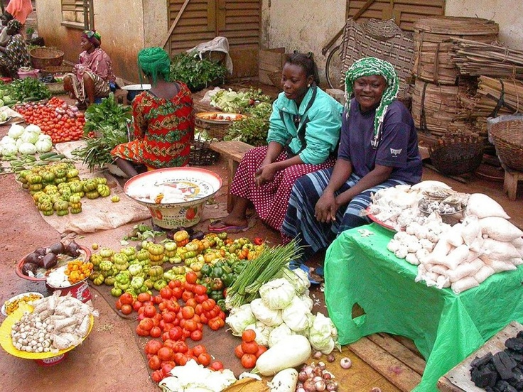 Daily #market in Africa. Source: http://melchi.hubpages.com/hub/types-of-traditional-african-food#