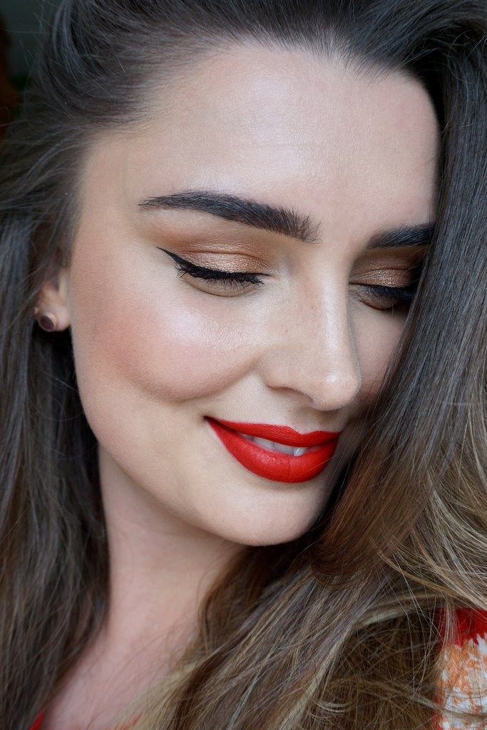 makeuplook classic diva winged eyeliner