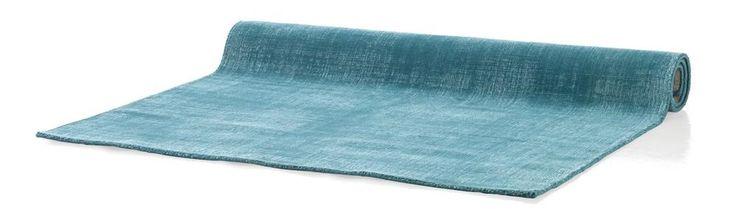 Carpet Ocean, a woolen carpet available in 3 fresh colours, Youniq decorations.