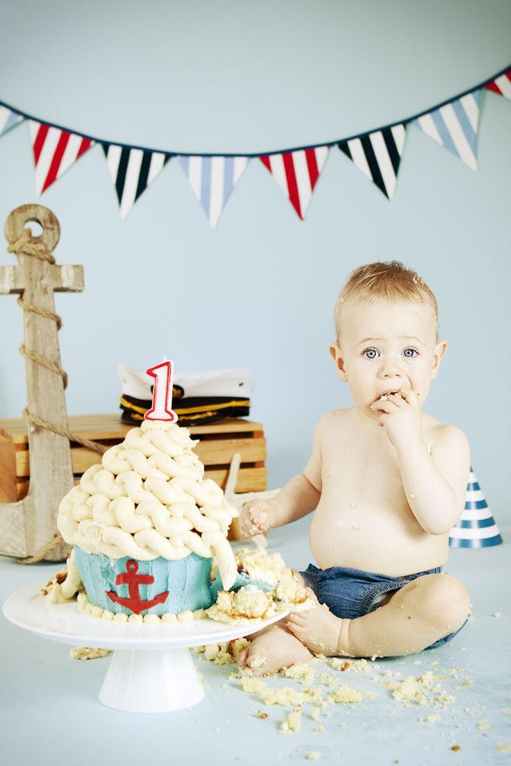nautical cupcake | Ari First Birthday Nautical Cake Smash CSC Photography Blog