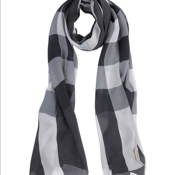 Authentic Burberry Scarf 100 Silk Authentic Burberry Silk Scarf Black White And Grey Measuring 27x75 Inch Might Have 2 3 Burberry Scarf Scarf Silk Scarf