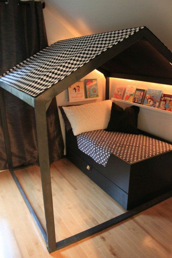1000 id es propos de lit cabane sur pinterest lit maison lit montessori et lit enfant. Black Bedroom Furniture Sets. Home Design Ideas