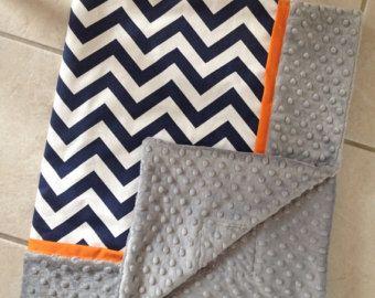 Bébé couverture marine chevron orange gris et garniture minky