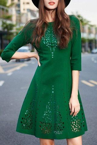 Sukienka butelkowa zieleń wycinanka rozkloszowana