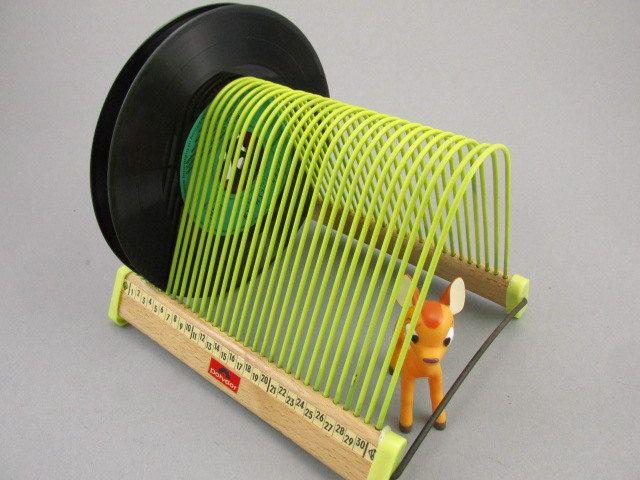 Vintage LP Vinyl Plattenständer aus Holz, Schallplattenständer, Polydor, gelb, 60er von ShabbRockRepublic auf Etsy