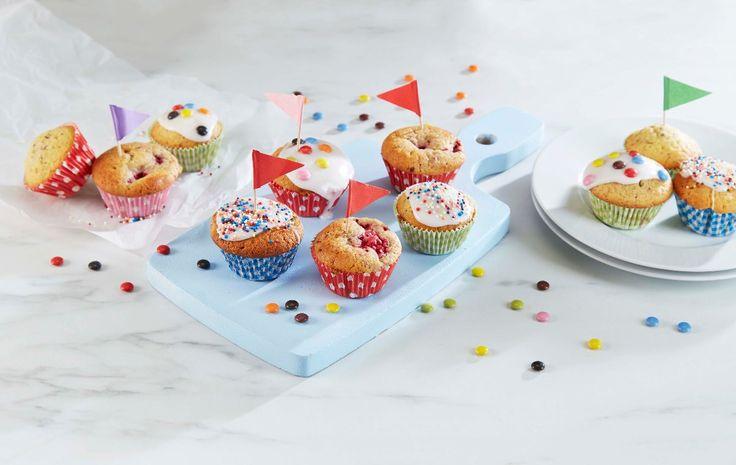 Denne grunndeigen kan du bruke som utgangspunkt når du skal lage muffins til for eksempel et barneselskap. Så kan du tilsette ulike smaker etter hva du måtte ønske og pynte dem etter alle kunstens regler. Av denne oppskriften blir det 12 muffins.