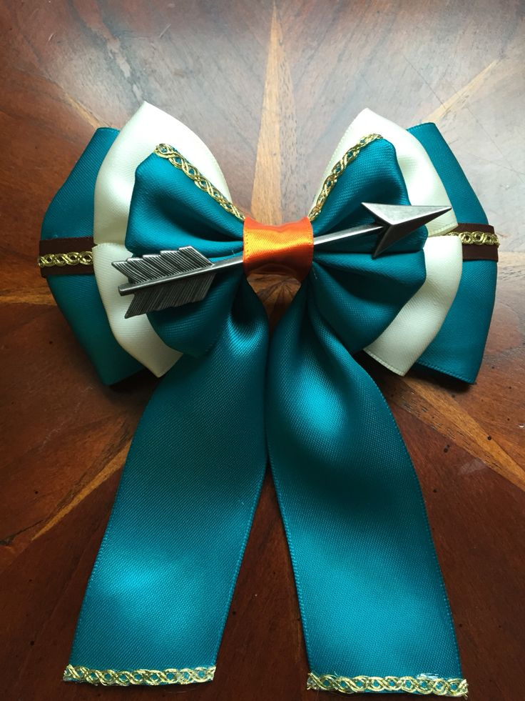 Inspired be Disney's Brave, I now have completed my Merida hair bow.